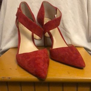 Vince Camuto love affair Red stilettos Size 8M/38